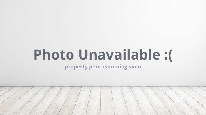 1791 Hawthorne Rd, Grosse Pointe Woods, MI 48236